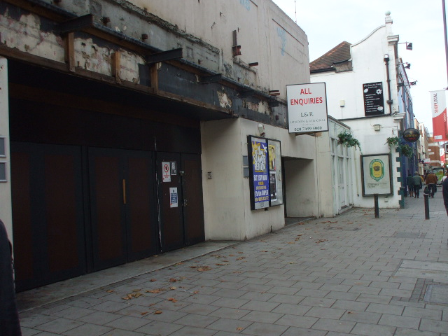 Hammersmith Palais looking in a sorry state in 2008 (image by Philip Perry, sourced via Wikimedia Commons)