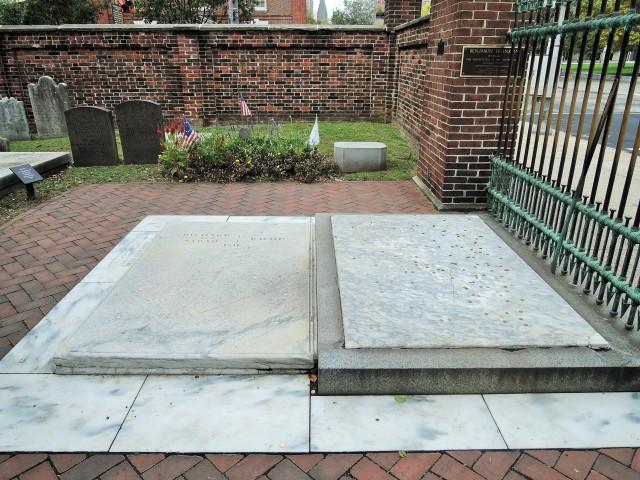 210 Benjamin Franklin's Grave Christ Church Burial  Ground
