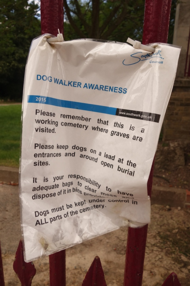 A polite notice to dog walkers....will a polite notice to gameplayers soon follow?