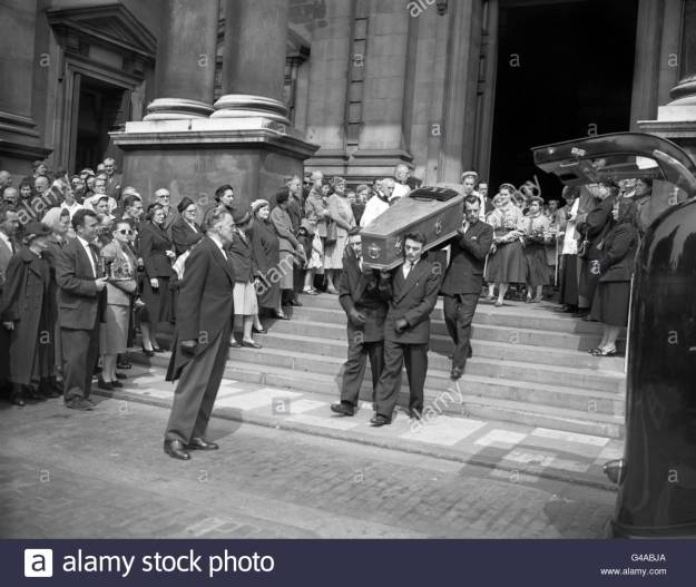 crime-countess-teresa-lubienska-funeral-brompton-oratory-london-G4ABJA