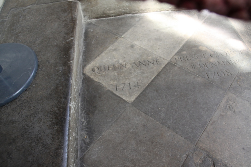 Queen Anne's grave in Westminster Abbey.jpg